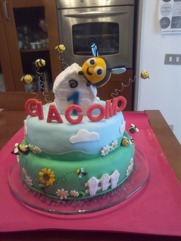 Torta di compleanno.  The hive la Casa delle api