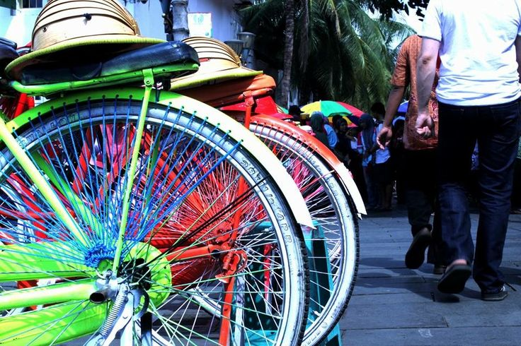 """ Sepeda Ontel ""  Colorful  Taken by Me  Canon 550D"