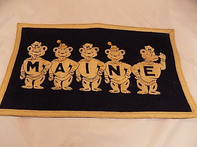 """Circa 1920s MAINE College Bears 16 X 9.5"""" Pennant Banner Smiling & Nose Thumbing"""