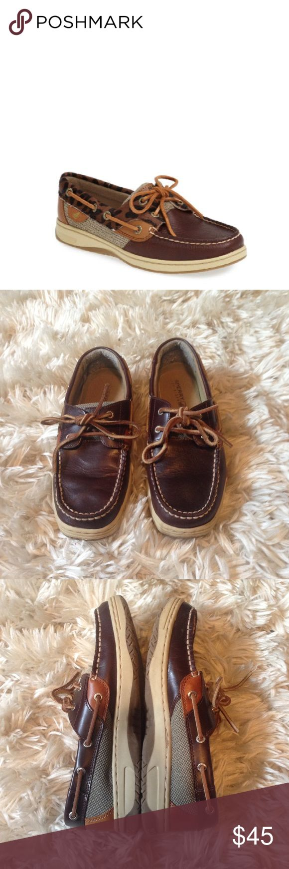 Dark Brown Sperry Top Sider 5.5 •Like new condition • No fading • No signs of wear besides some pilling on the inside of heel• Sperry Top-Sider Shoes Flats & Loafers