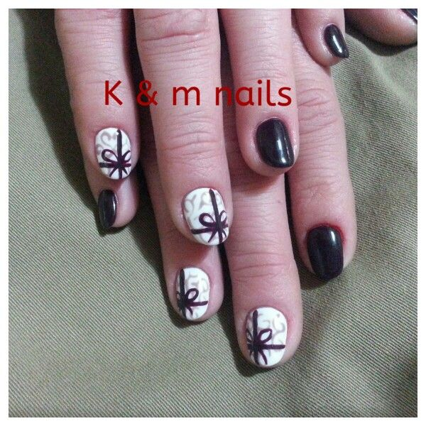 almond nail dressed with bow!!