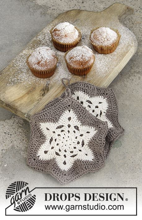 A Star is Baked - Crochet pot holders with treble groups in star for Christmas in DROPS Muskat. Free pattern by DROPS Design