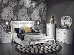Картинки по запросу серые обои в интерьере спальни