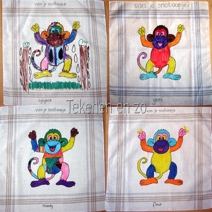 Neem een kleurplaat, leg deze onder de zakdoek, overtrekken en inkleuren met Textielstiften... KLAAR!