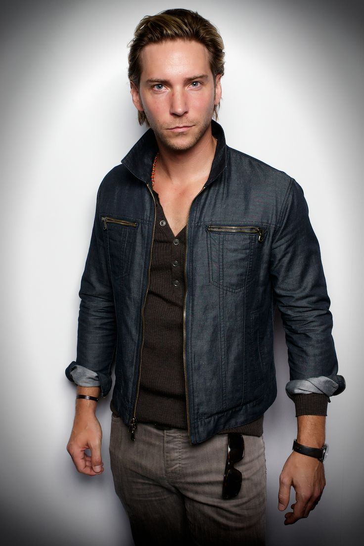 Troy Baker. Officially in crush with this man.