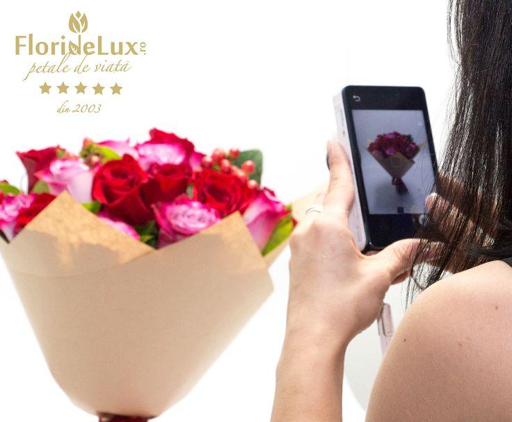 Pregatim cele mai frumoase flori pentru cele mai rasfatate Marii! ^_^ Ne iubim mult de tot munca!!! #floridelux #sfmaria #sfantamaria #lamultianimaria #8septembrie