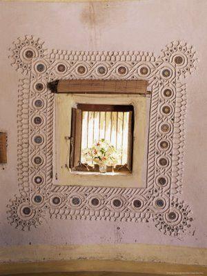 kutch mud art | artnlight: The mud mirror homes of Gujarat