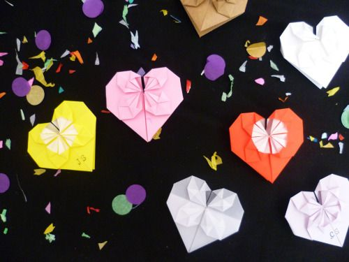 Origami hearts can be used as table decoration, place settings or even wedding favours!  Scottish wedding decorations by Paper Street Dolls Check out our site - paperstreetdolls.etsy.com
