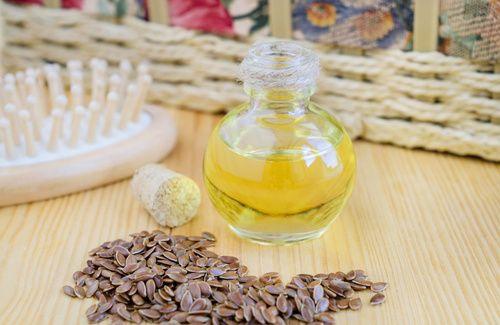 I semi di lino per i capelli