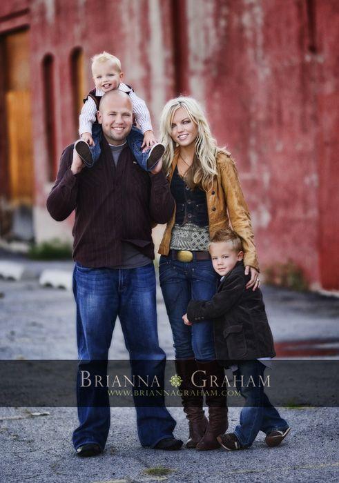 Best 25 urban family photos ideas on pinterest family for Urban family photo ideas