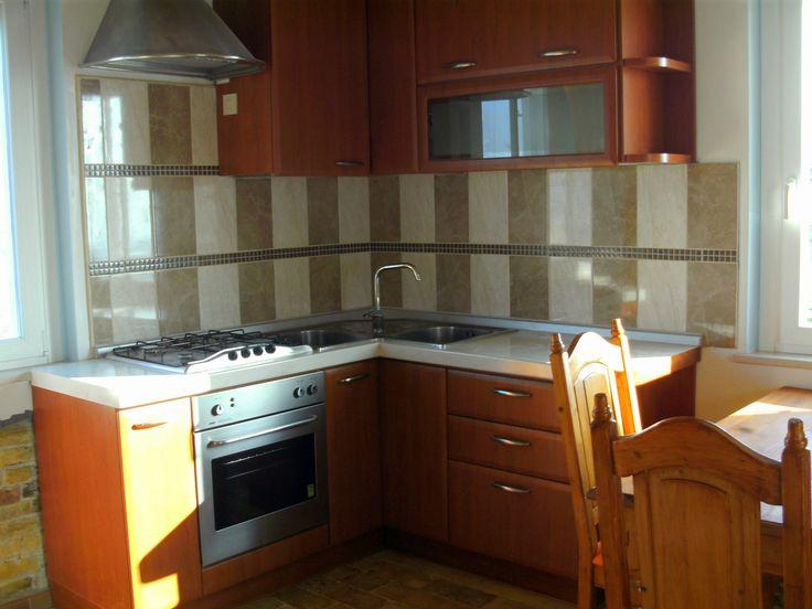 Diese Küche bietet allen möglichen Komfort viel Stauraum für - apothekerschrank für küche
