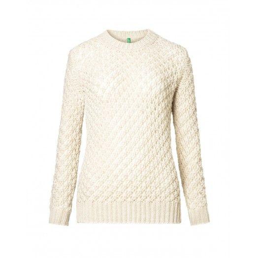 Maglia, in misto lana/alpaca, ampio girocollo, punto nocciolina.