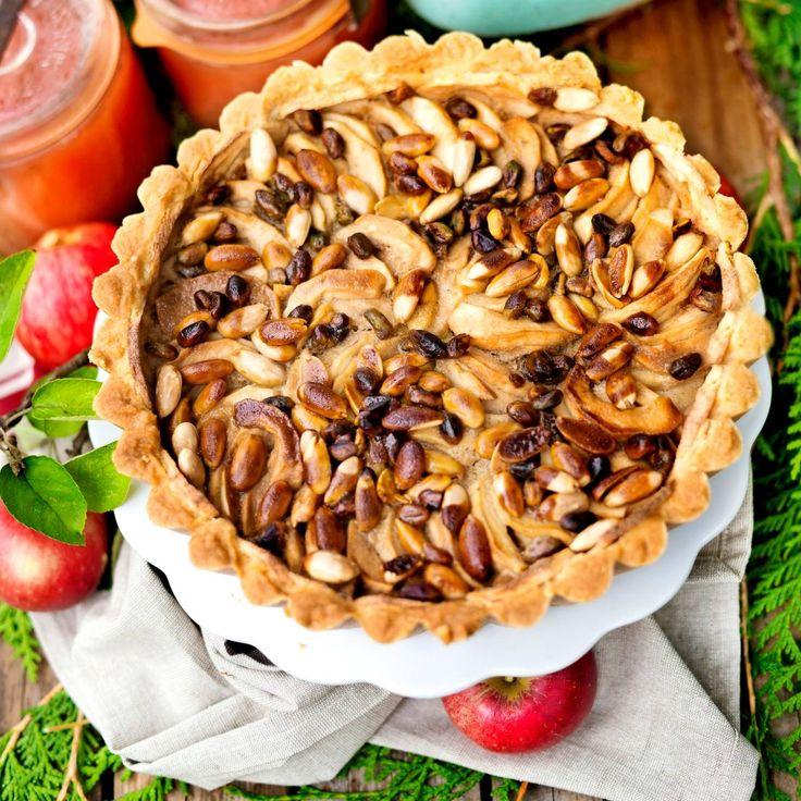 Sätt extra piff på din äppelpaj med ett knäckigt lager av mandeltosca.