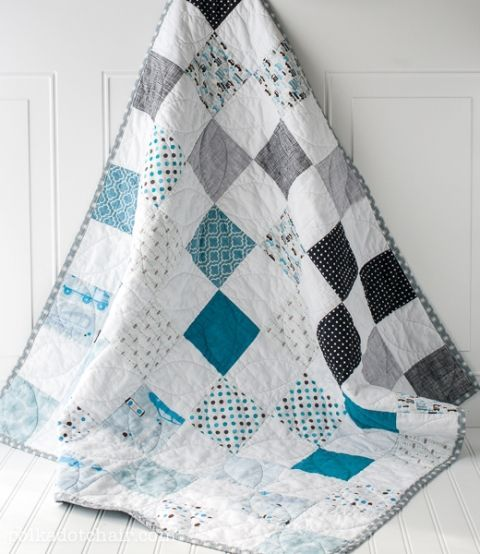 Simple Pattern for a Baby Quilt on polkadotchair.com