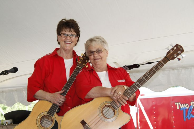 Performers: Lois and Lois