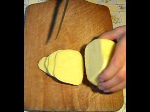 Domowy żółty ser z dziurami