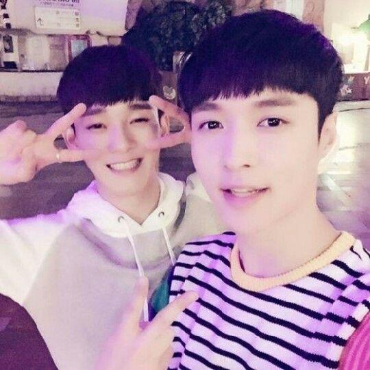 #exo #Lay #Chen #selfie #kpop #korea #k_pop #china   #cute