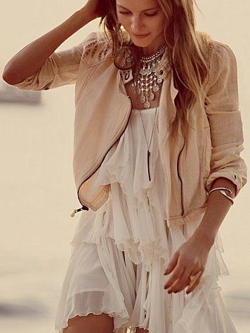 Loving this look, the dress, the jacket. Summer perfection!