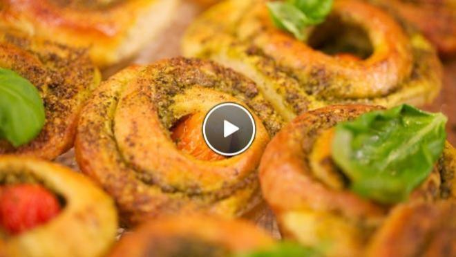 Tomaten-broodrolletjes - Rudolph's Bakery | 24Kitchen. Lekker bij soep!