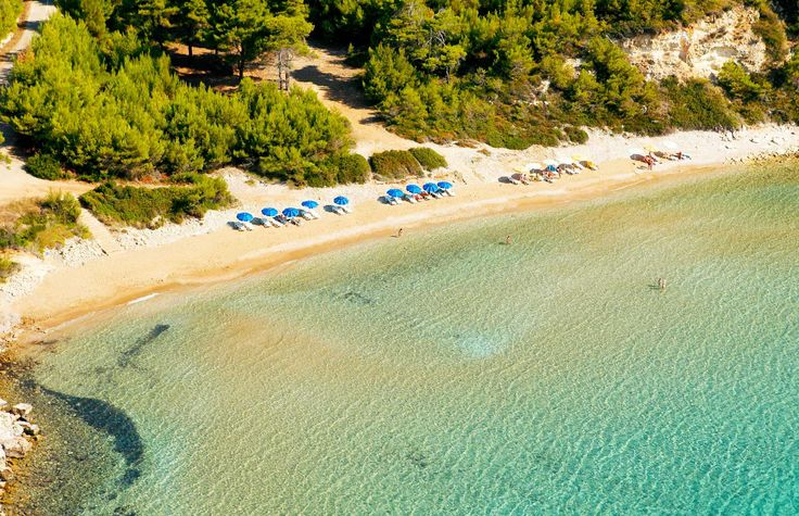 Alonnisos beach and clear waters - Greece  http://globetrotter-blog.com/listing/alonnisos-greece/