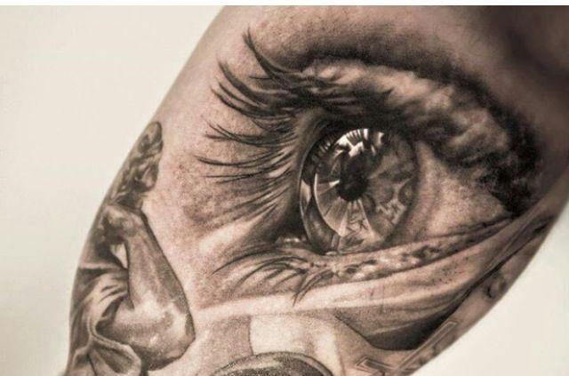 realistic tattoo eye realistisches tattoo auge tattoo pinterest augen. Black Bedroom Furniture Sets. Home Design Ideas