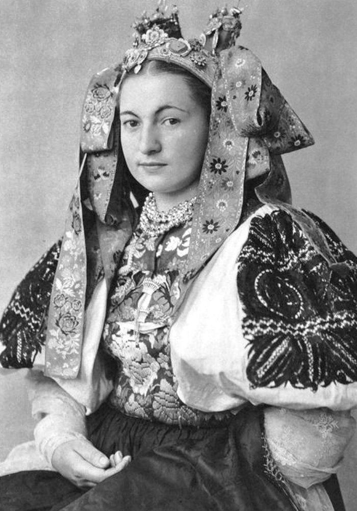 Black slovakians traditional dress