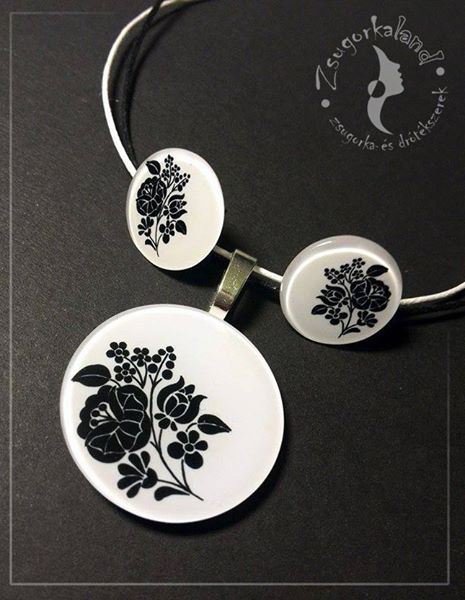 handmade jewelry set, made of polyshrink, with floral drawings www.facebook.com/Zsugorkaland