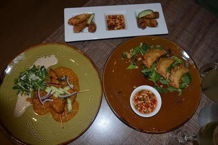Date night dinner at Mix Moon in New Lynn. Mix Moon is a South East Asian restaurant that features flavours and dishes from Thailand, Malaysia, Vietnam and India.    https://www.life-downunder.com/single-post/2017/04/02/Mix-Moon