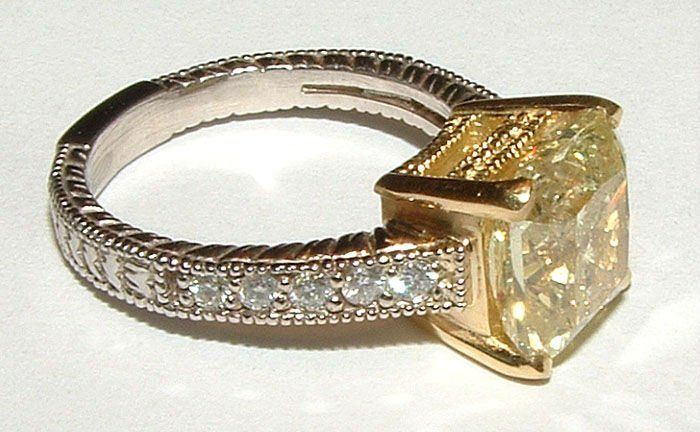 2.5 quilate de diamante amarelo canário anel antigo olhar novo