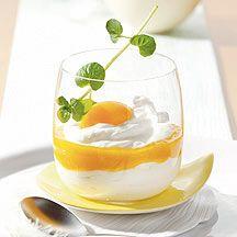 Dessert au fromage blanc et à l'abricot.