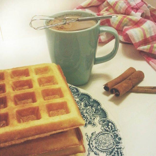 Perfect  Sunday! Waffles & hot chocolatte gofry i gorąca czekolada