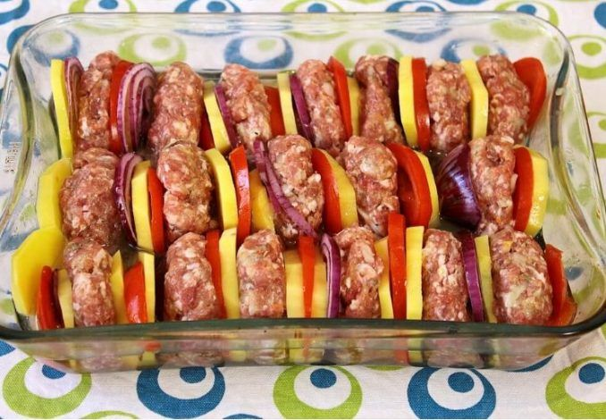 Mäsové guľky so zeleninou z jedného pekáča - Receptik.sk