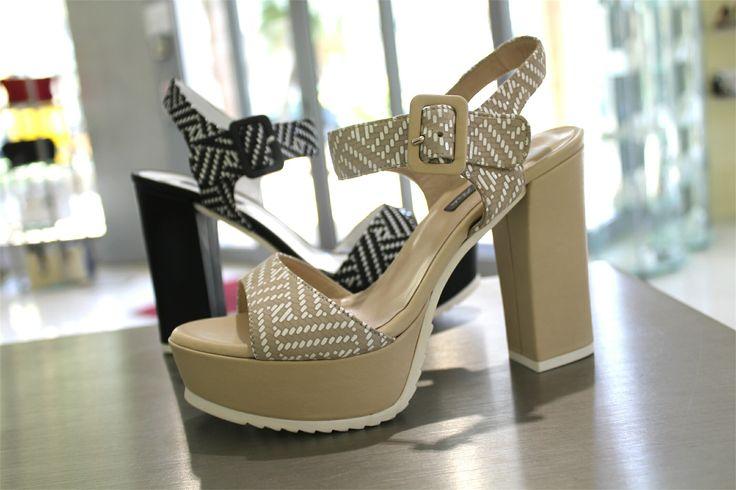 •SALDI• Scegli la comodità made in Italy di Andrea Pinto per completare i tuoi outfit estivi! ☀️🔝 Quale fantasia preferisci? 😍  ➡️ http://goo.gl/lRDtE0  #andreapinto #sandalo #donna #scarpe #woman #sconti #shoes #scarpa #online #sandali #nuovi #cassino #outfit #nuove #milano #scarpenuove #sandals #roma #belle #acquisti #tacco #gioielli #tacchi #padova #comode #adoro #saldi #ragazza #molise