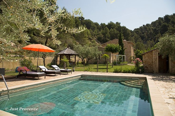 L'Oliveraie, secluded luxury rental, Le Barroux, Provence.