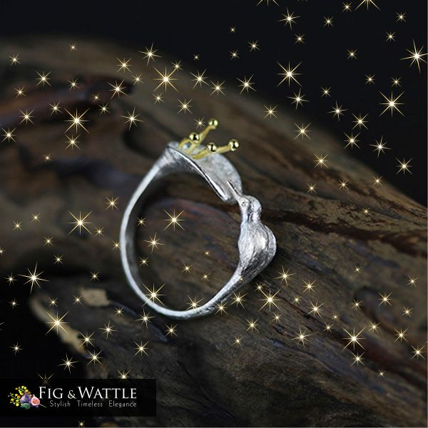 The beautiful sterling silver handmade Hummingbird Ring. This is an absolute favourite at Fig & Wattle. The great thing is the ring is adjustable so perfect for a gift. http://ow.ly/bhko30fVjnq   #figandwattle #jewellery #silver #gift #giftideas #wishlist #christmascountdown #christmastree #christmasparty #christmastime #love #santa #secretsanta #jinglebells #love #instachristmas #xmas #elfontheshelf #hummingbird #ring #handmade