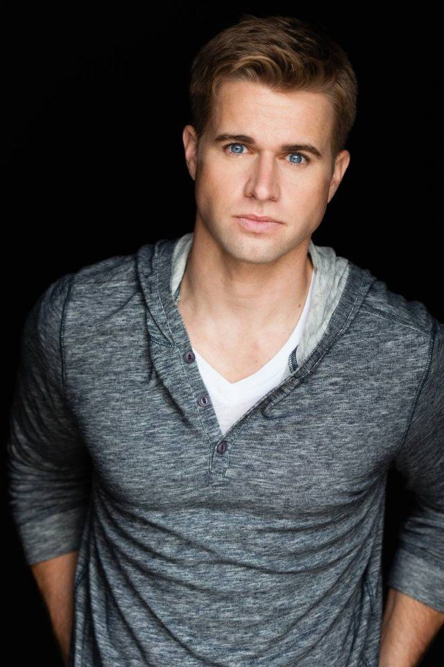 Randy Wayne from The Lying Game!  It's the guy who played golf and was with suttons sister!!