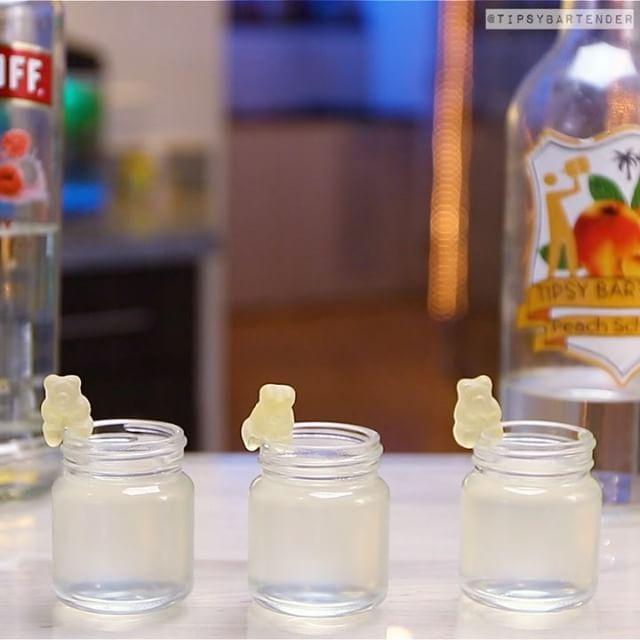 "20.2k Likes, 279 Comments - TIPSY BARTENDER (@tipsybartender) on Instagram: ""WHITE GUMMY BEAR SHOTS  1 oz. (30ml) Raspberry Vodka 1 oz. (30ml) Peach Schnapps 1/2 oz. (15ml)…"""