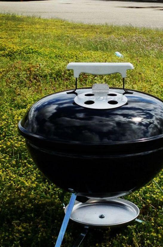 Weber Smokey Joe lige til at tage med på tur #grill #grillinspiration #grilltips #inspirationdk