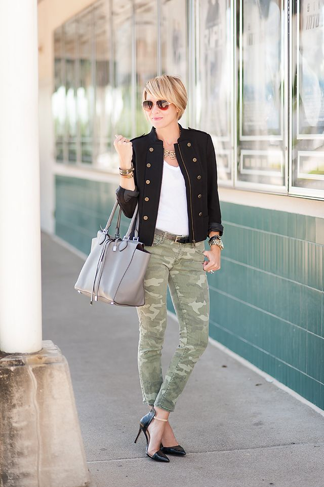 White top + black military blazer + olive skinnies + black pumps. Good little transitional type of outfit.
