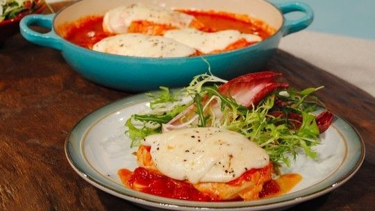 If you'd rather be on the sofa than in the kitchen then don't despair, Gino's promising a speedy one-pan meal of chicken with melted mozzarella and tomato pizza sauce - all under 500 calories and on the table in under 15 minutes. What more could you want for a Monday?