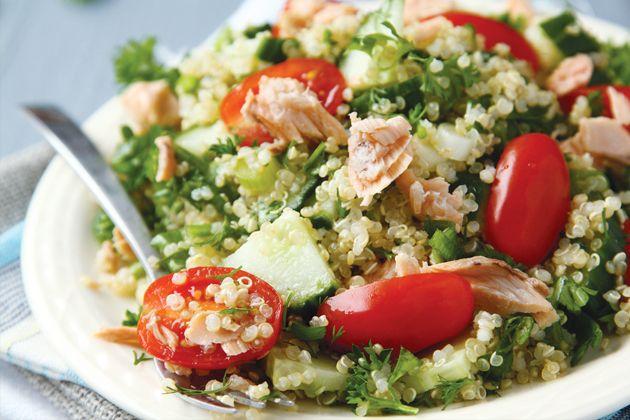 Mediterranean Quinoa Salad - Approx. 500 calories per serving #UWeightLoss