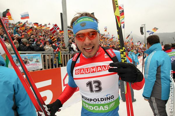 Anton Shipulin wins bronze in Men's Pursuit in Ruhpolding 2012.