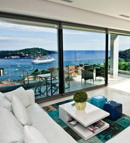 Modern Mediterranean Style: 9 Best Modern Mediterranean Interior Design Inspiration