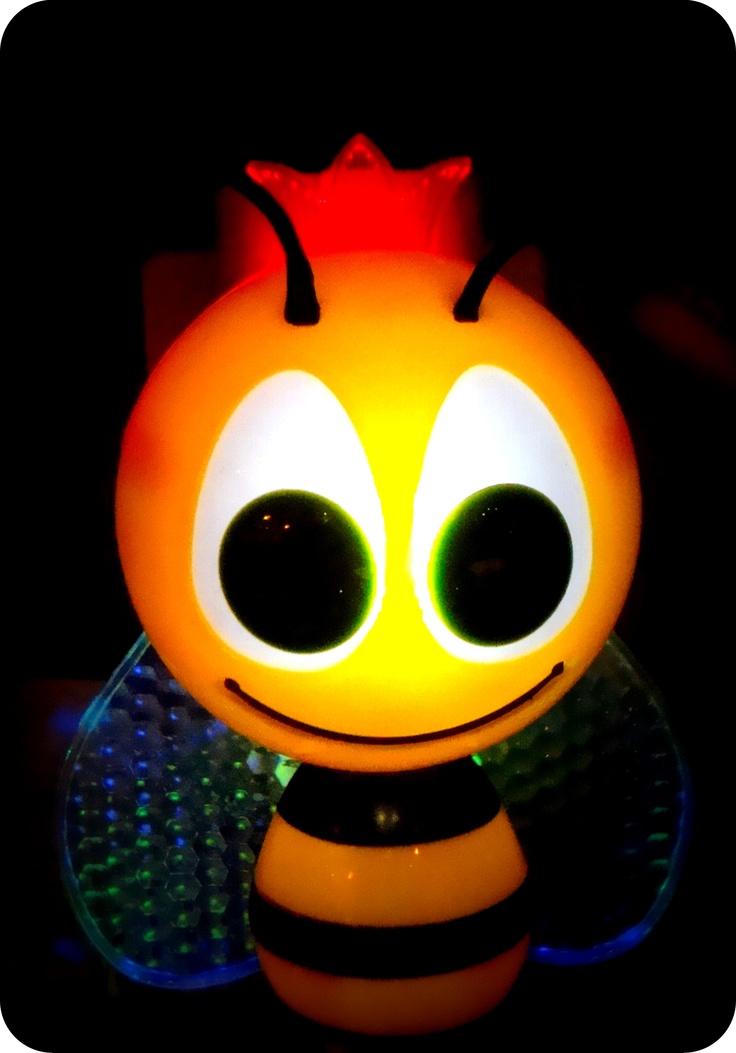 Bee Queen Light....