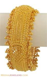 Indian gold jewelry.  22kt bangle
