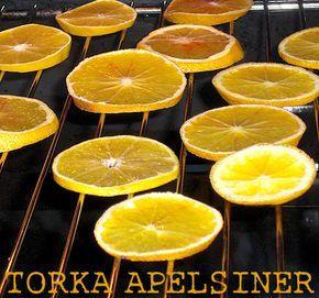 De senaste åren har jag torkat mina egna apelsiner. Dessa finns även att köpa på blomaffär och andra välsorterade butiker, men ofta till ö...