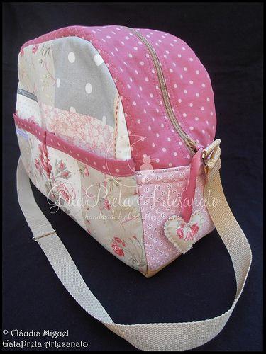 "Conjunto de maternidade ""Rosa Chá"": mala de maternidade, muda-fraldas, bolsa para fraldas, ... - GataPreta Artesanato"