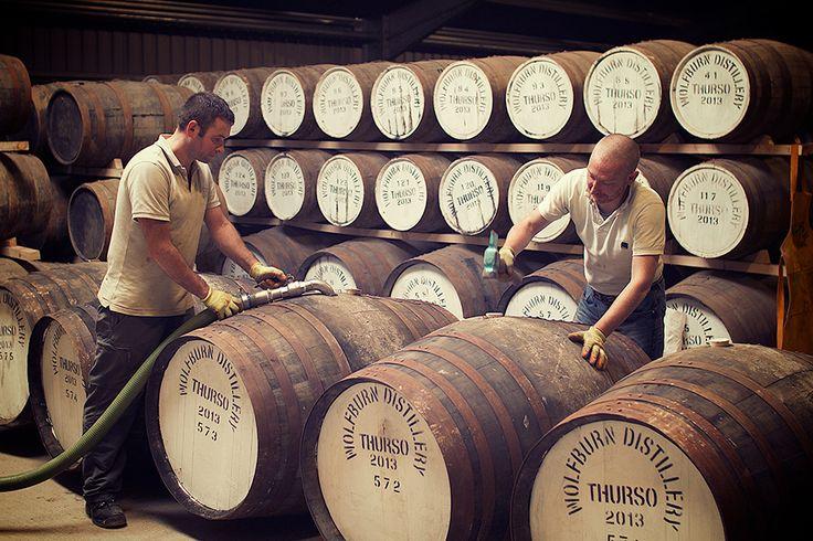 Wolfburn Distillery · Cask filling