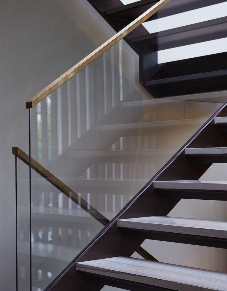 Best 25+ Glass railing ideas on Pinterest   Glass stair ...