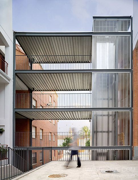 AF6 Arquitectos > Intervención en espacios comunes de edificios plurifamiliares, Sevilla